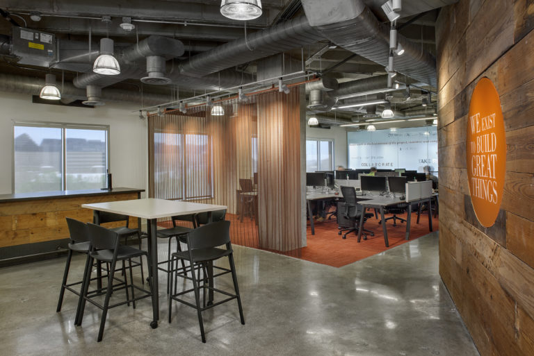 Open office meeting space and workstations at DPR's Dallas office.