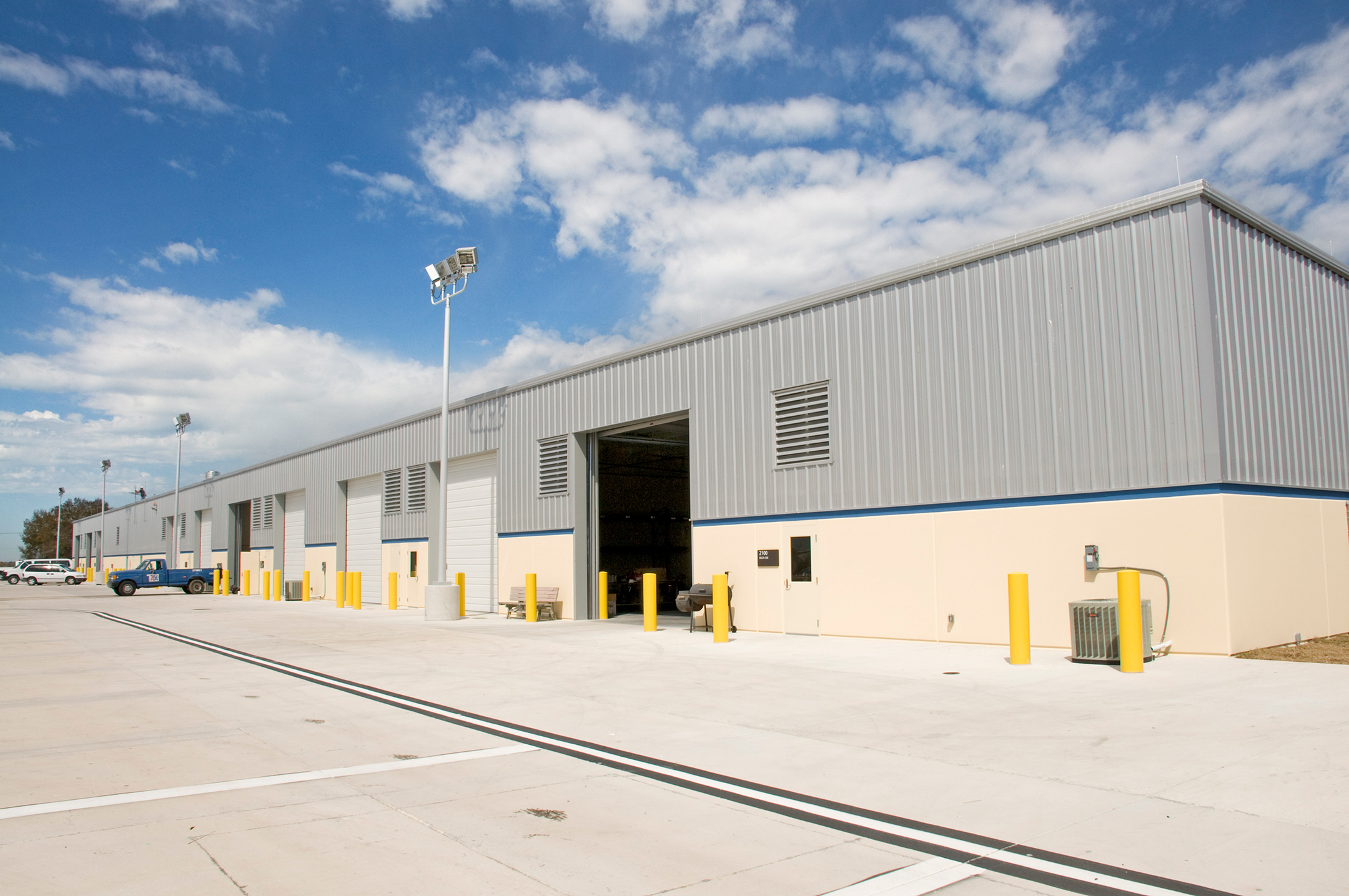 Exterior cargo building and loading dock