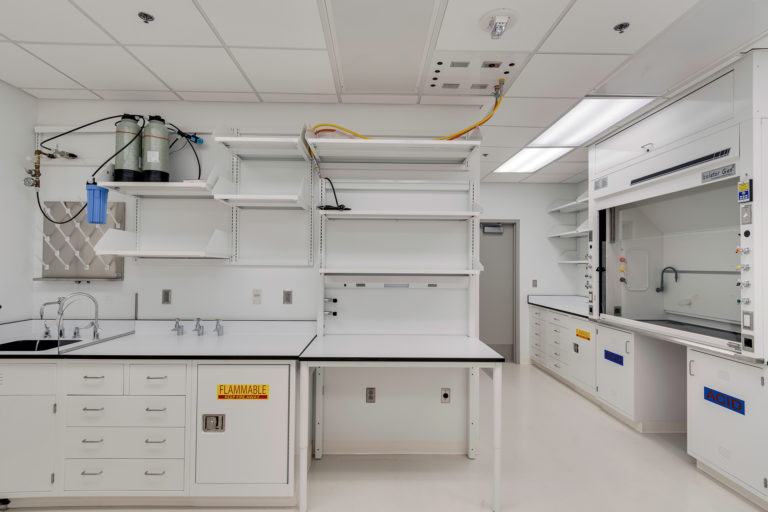 A lab in NIH Building 29B fully renovated.